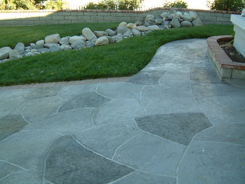 Concrete-Finishes-that-looks-like-Flagstone